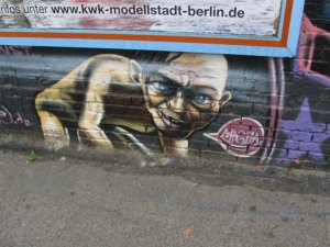 Berlin_Wall_Gollum