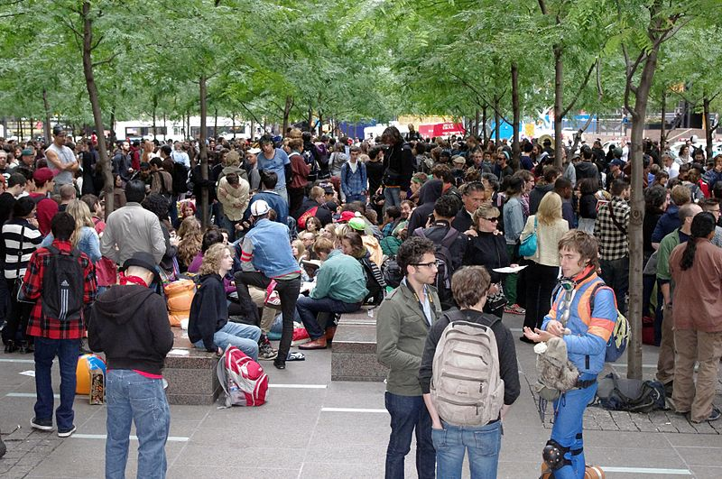 800px-occupy_wall_street_crowd_size_2011_shankbone
