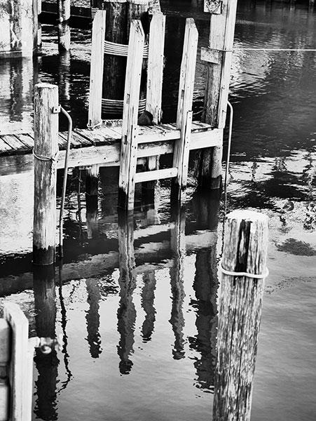 dock empty photo