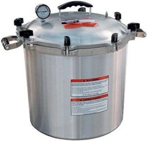 #1. New All American 915 USA Made 15.5 Quart Pressure Canner/ Cooker