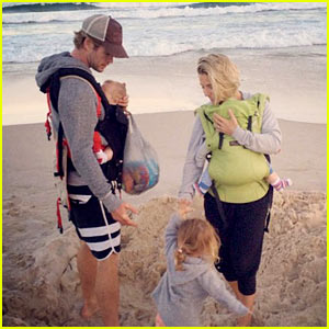 chris-hemsworth-hits-the-beach-with-his-wife-kids