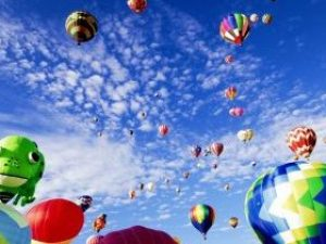 balloon-fiesta-1746495_1920