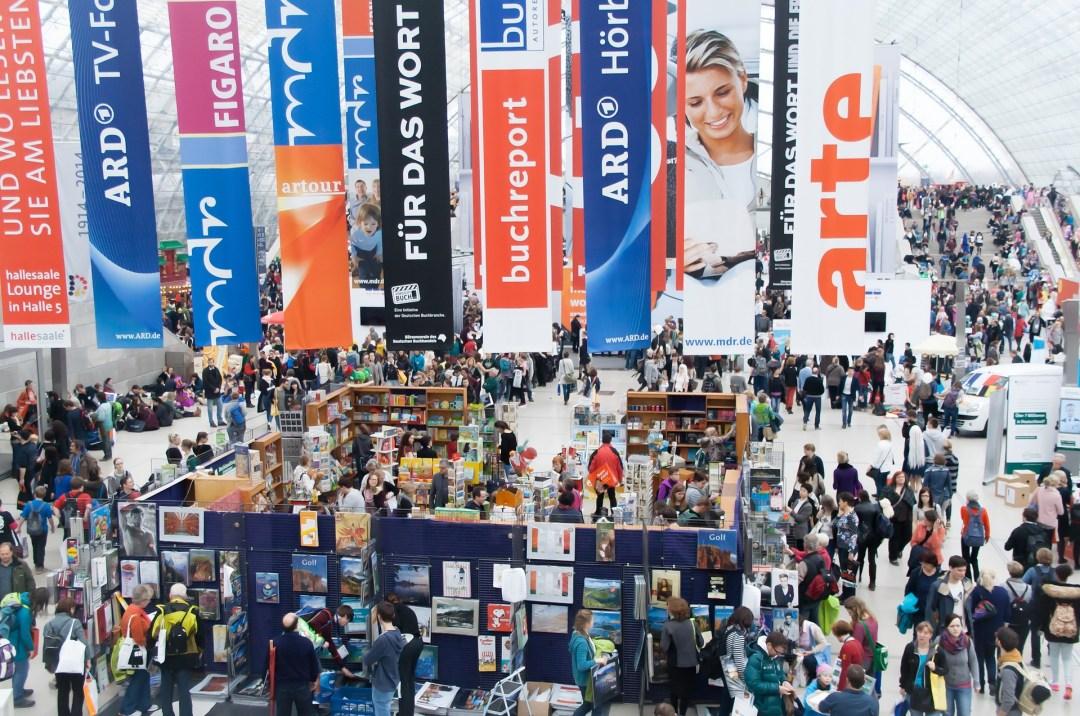 book-fair-678265_1920