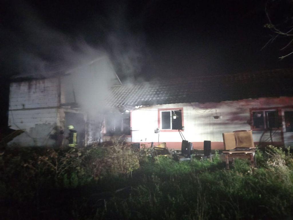 Incendiu la o casă de locuit din localitatea Berchișești