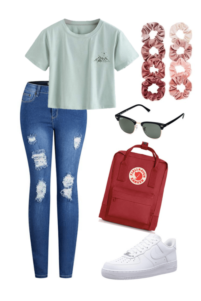 Travel outfit ideas. Preppy airport outfit.