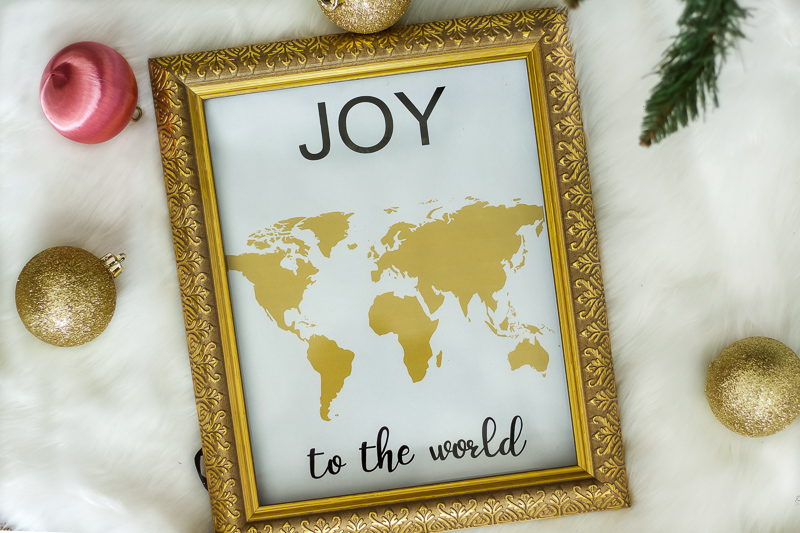 Joy to the World printable in gold frame.