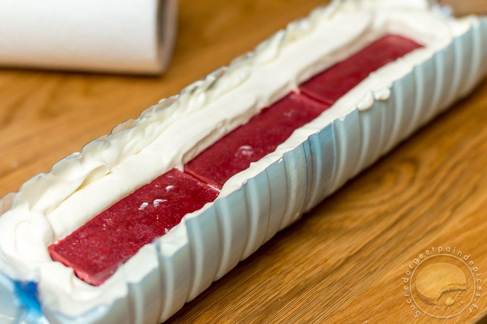 buche facile vanille fraise des bois et biscuits roses ou buche macgyver sans moule avec des