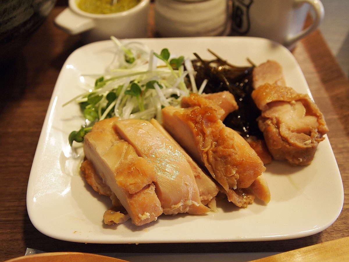 徳島市南内町 つけ麺 すゞや 鶏チャーシュー付き