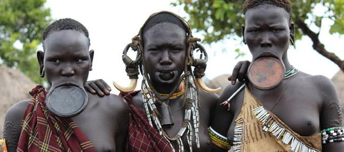 opulația Surma din Sudan și Etiopia 22