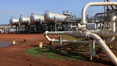 Photo of العاملون في النفط بحقل(فلج) يـهددون بإضـراب بعد تزايد الشـكاوى