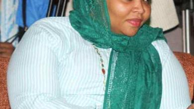 Photo of بالفيديو.. وزيرة الرياضة السودانية تستشيظ غضبا أمام متظاهرين وجهوا لها انتقادات لاذعة