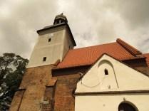 Wieża kościoła w Strzelnikach