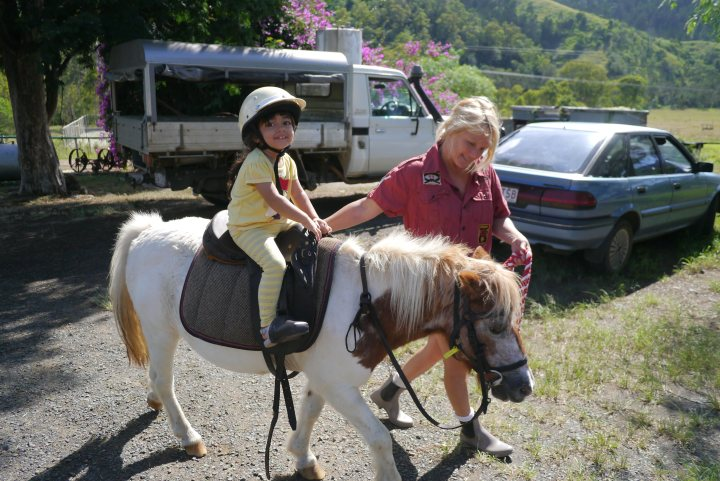 Pony ride_Small
