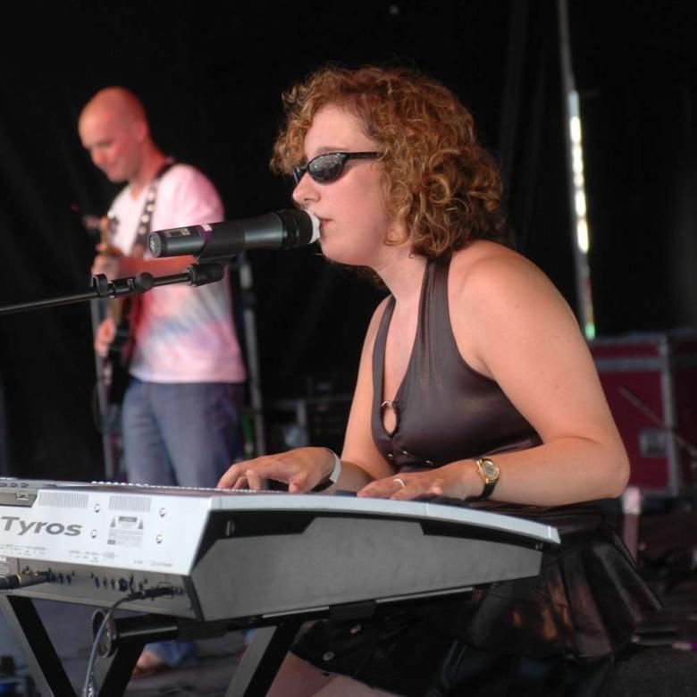 Sue Hedges Yamaha Tyros keyboard