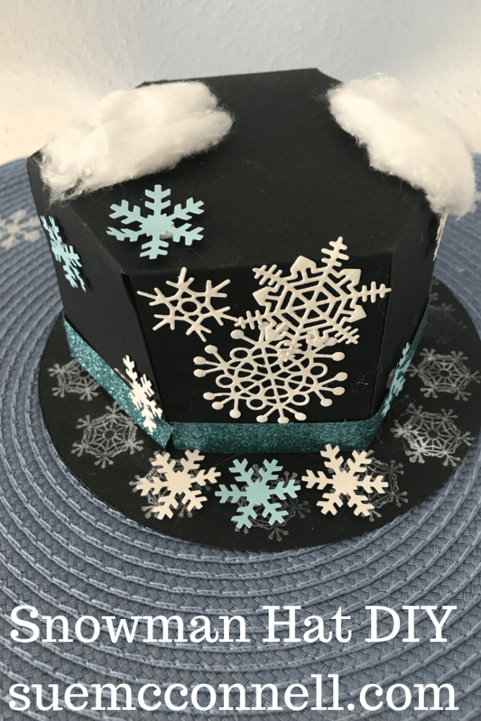 Snowman top hat DIY using cardstock and the Cricut Explore.