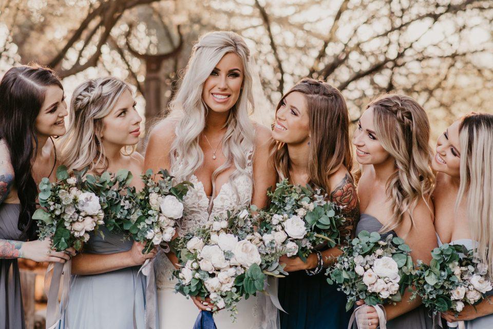 golden-hour-outdoor-wedding-arizona-suess-moments-wedding-photography