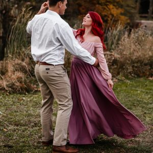 etsy-1000love-skirt-wrap-engagement-photos-dress-ideas-wrap-skirt-mauve-pink-ariel-red-hair-suessmoments