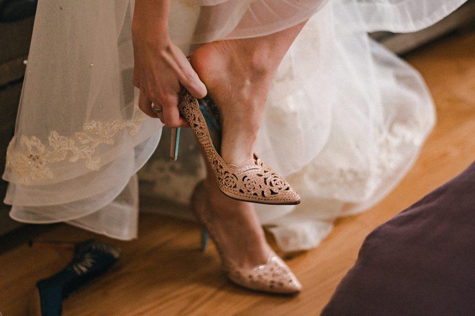 blue-bottom-bride-heels-shoes-suessmoments