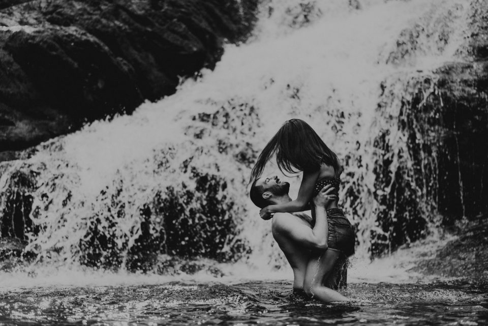NEW-YORK-WATERFALL-COUPLES-PHOTOGRAPHY-BROOKLYN-PHOTOGRAPHER-INDIAN-BROOK-FALLS-SUESSMOMENTS