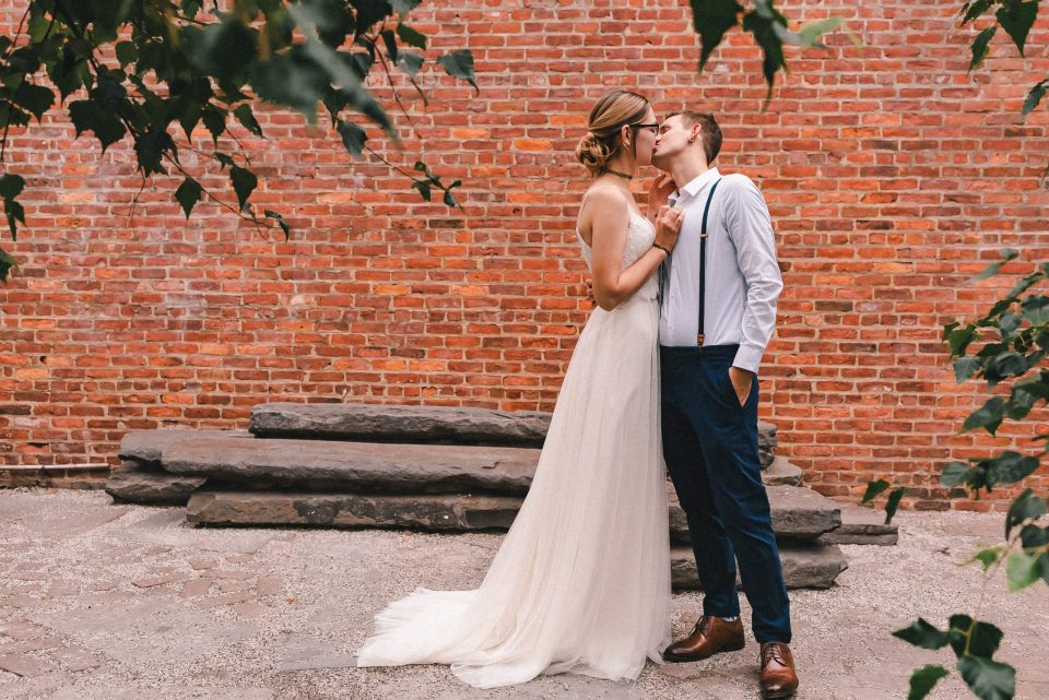 first-look-elopement-dumbo-brooklyn-photos-suessmoments