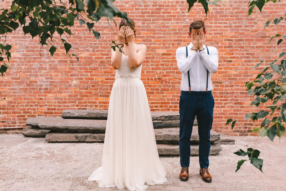 first-look-at-anns-warehouse-dumbo-elopement-suessmoments