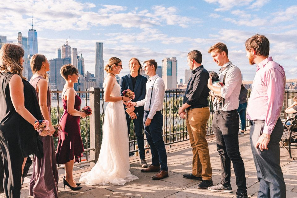 brooklyn-bridge-park-wedding-ceremony-suessmoments