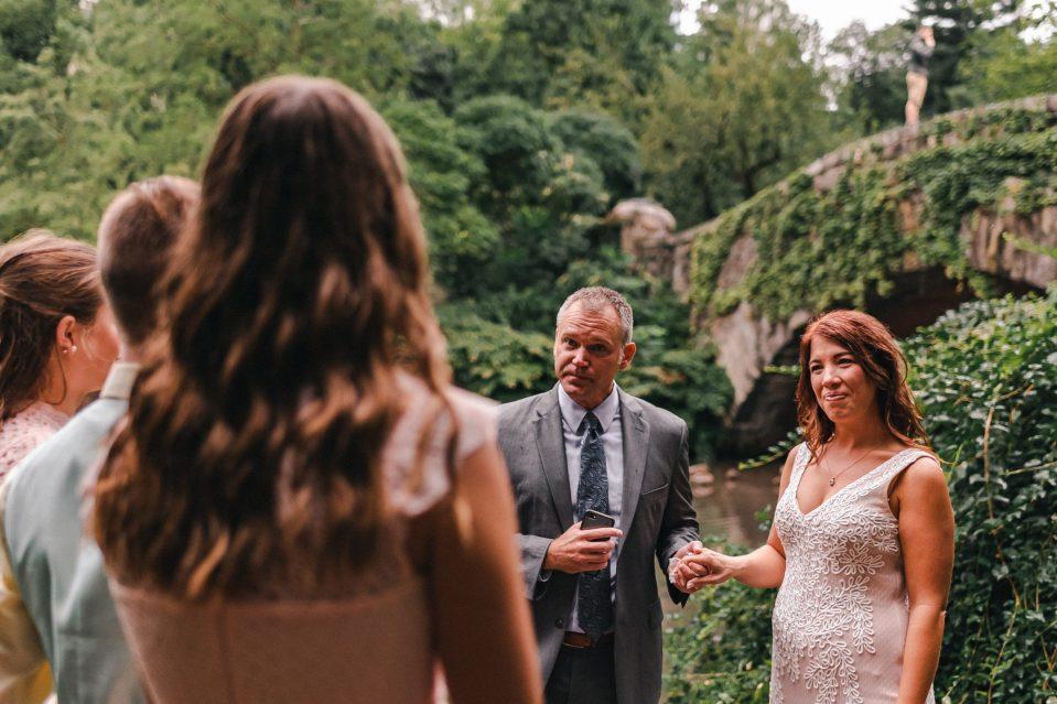 ceremony-elopement-in-central-park-gapstow-bridge-suessmoments-photographer