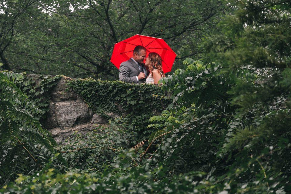 red-umbrella-central-park-wedding-photos-suessmoments