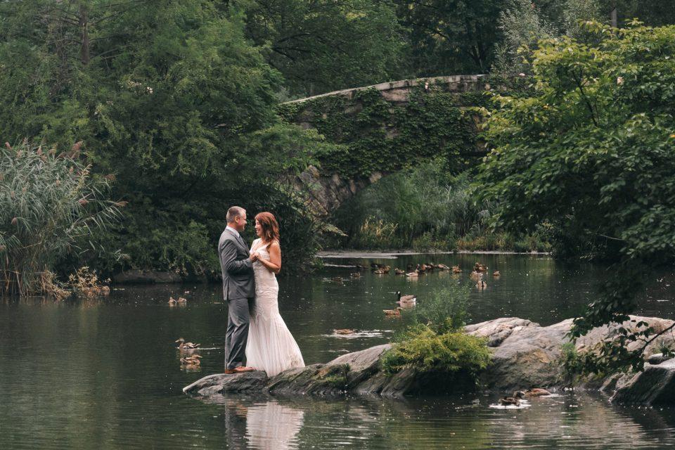 gapstow-bridge-lake-wedding-photo-suessmoments