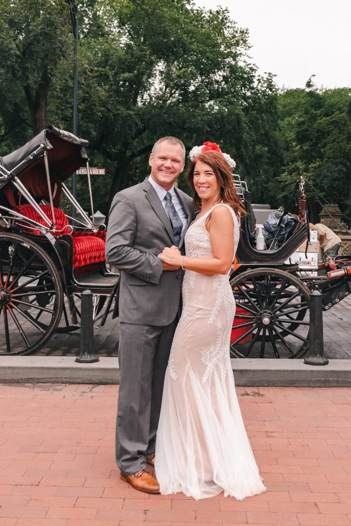 horse-carraige-central-park-elopement-photos-suessmoments