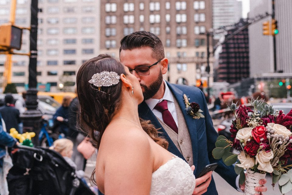 cathedral-veil-nyc-photographer-new-york-wedding-photos-suessmoments