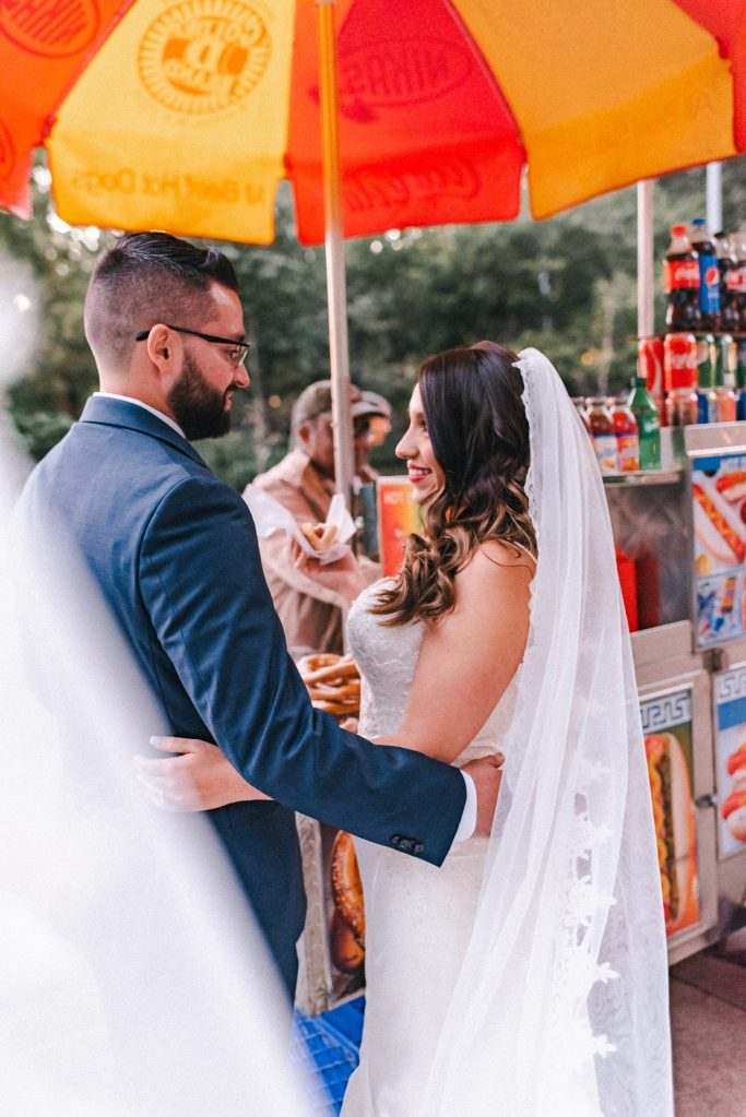 bride-and-groom-nyc-hot-dog-stand-suessmoments-nyc-fun-candid-photographer