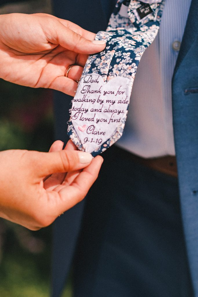 dad-wedding-tie-suessmoments