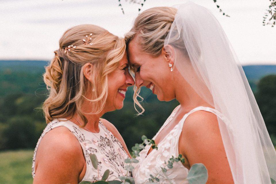 mommas-little-girl-wedding-photo-suessmoments