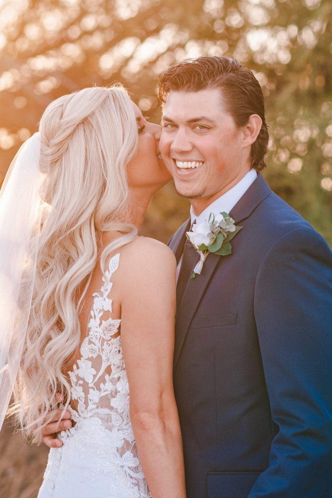 fun-and-romantic-wedding-poses-suessmoments
