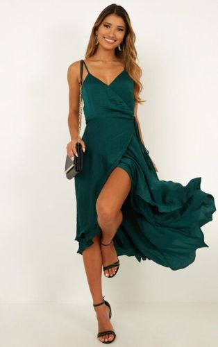 perfect-cutest-engagement-photos-dress-emerald-green-suessmoments
