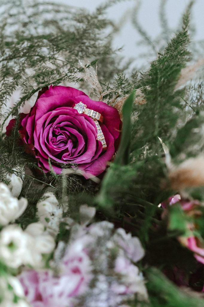 glamurosa-designs-floral-flower-purple-rose-suess-moments-nyc-photographer-ring-shot-bouquet