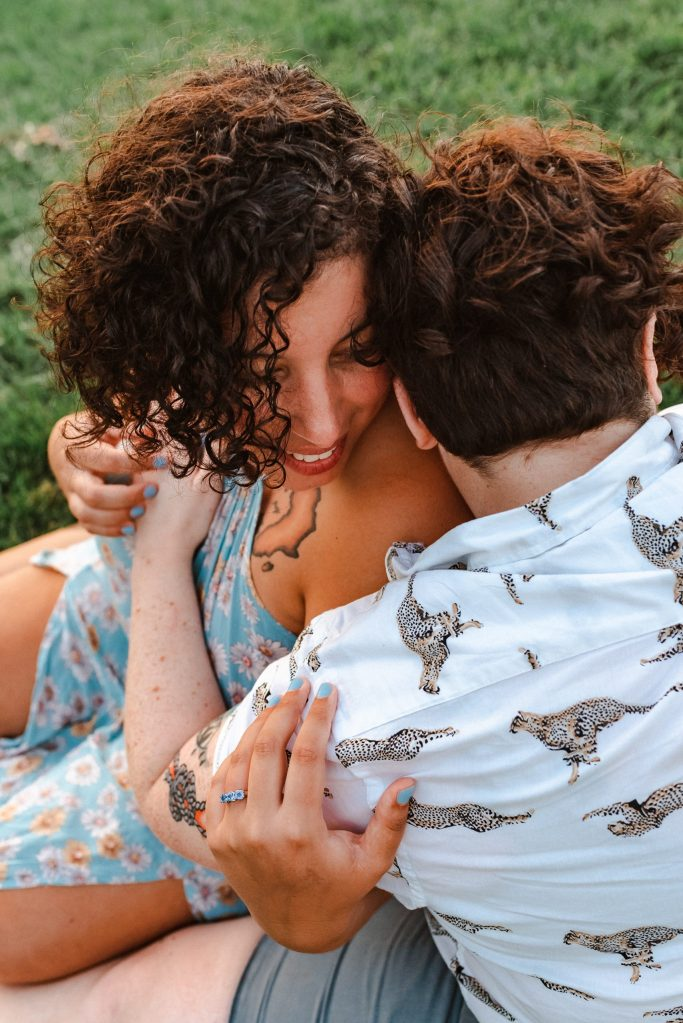 lesbian-proposal-dumbo-brooklyn-photography-suess-moments