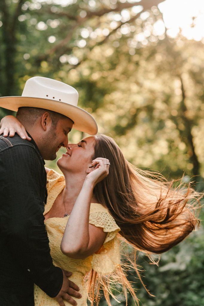 hair-flip-engagement-photos-suessmoments