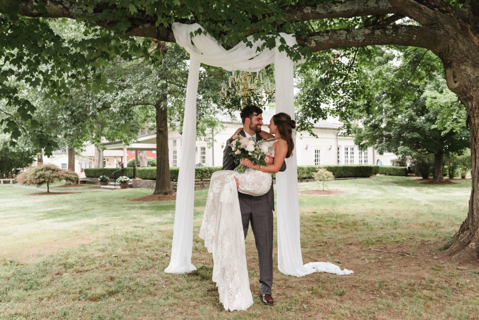 bykenhulle-house-wedding-photos-portraits-by-suessmoments-nyc-photographer