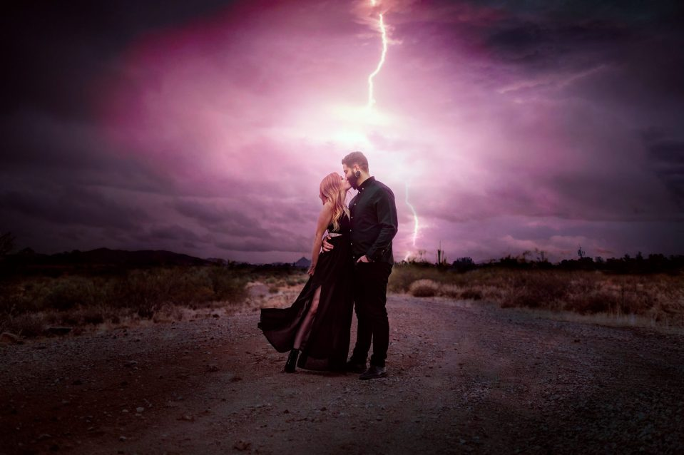 lightning-strike-engagement-photo-suess-moments-magical-photos