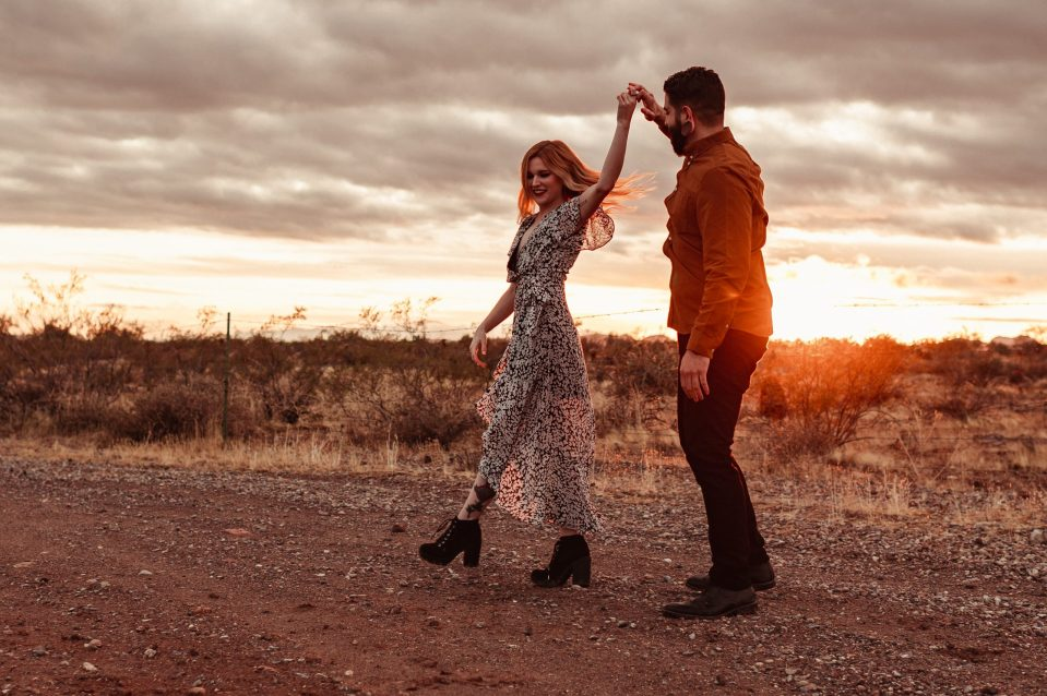 dancing-golden-hour-sunset-photos-az-wedding-photographer-suess-moments