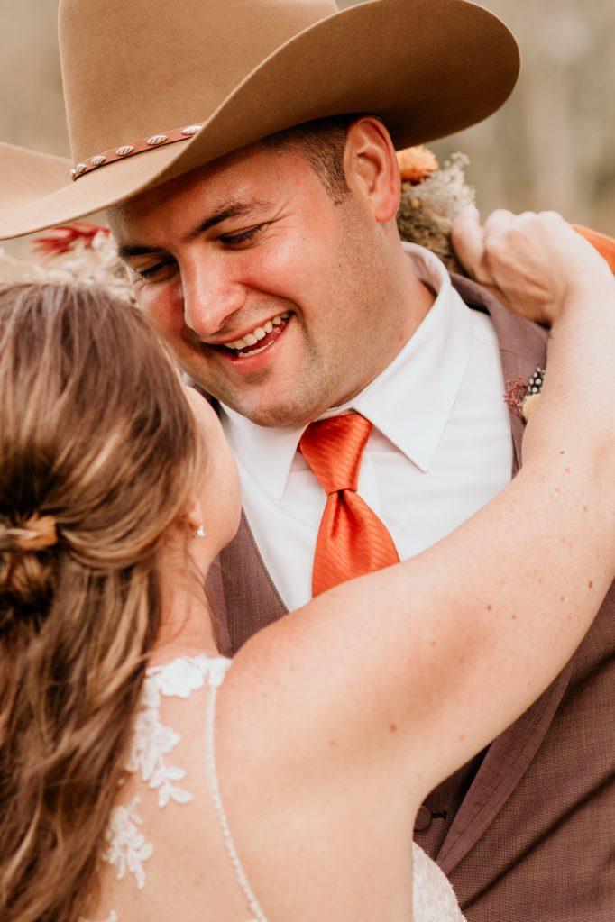 fall-themed-groom-tux-suessmoments