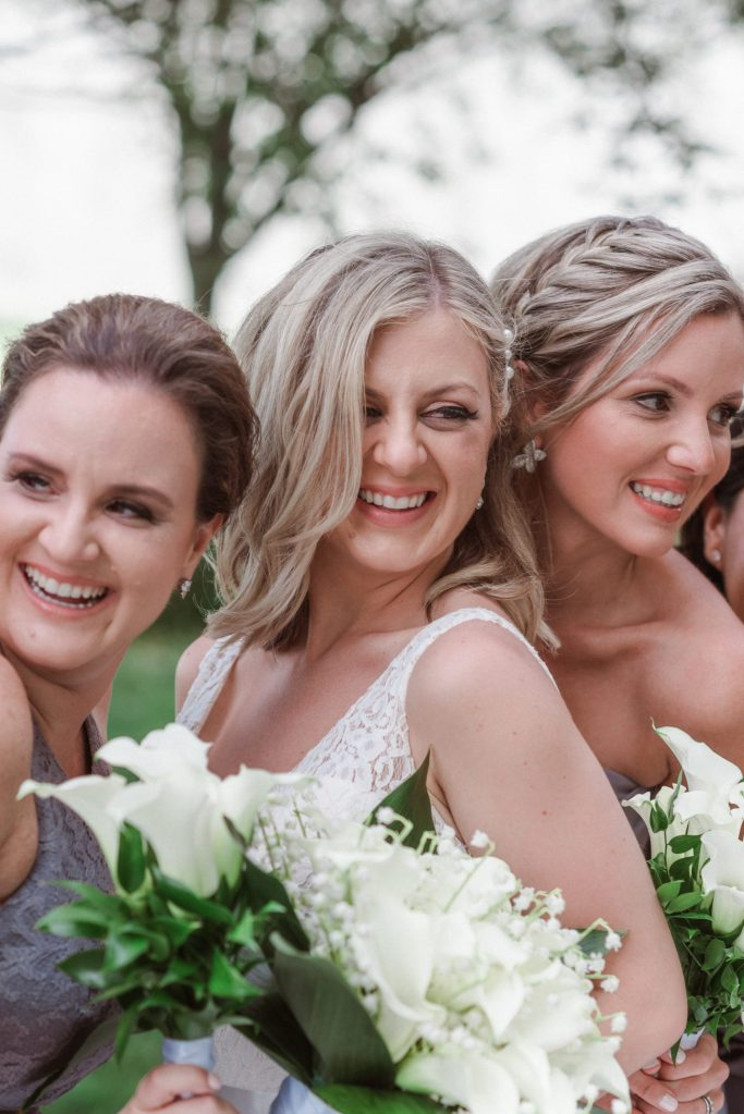 bridal-party-candid