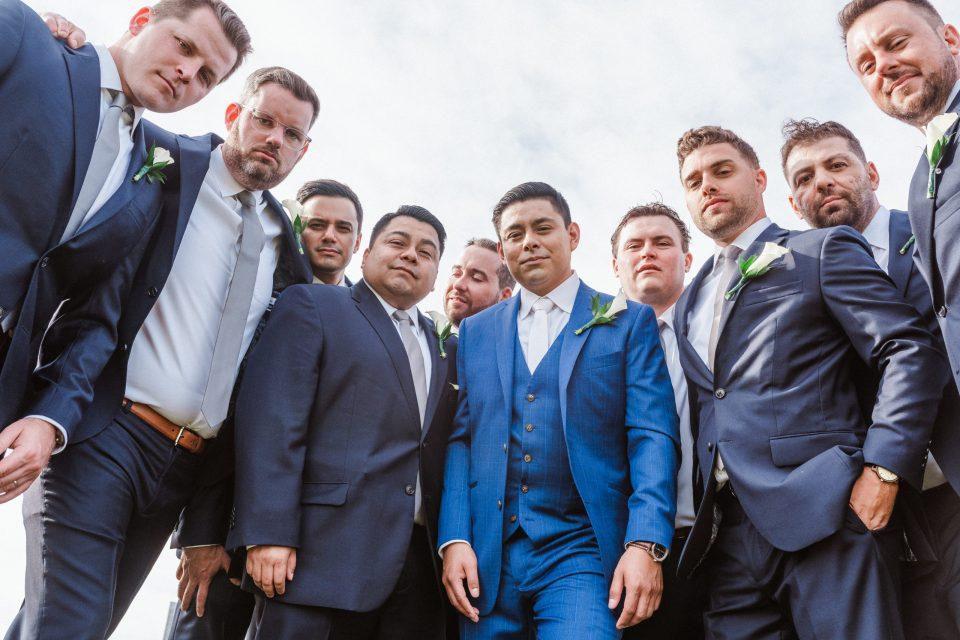 groomsmen-photo-creative