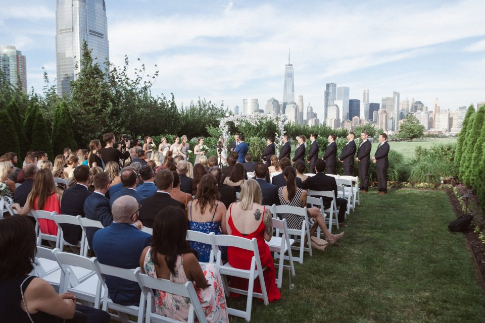 liberty-house-restaurant-new-jersey-outdoor-wedding-ceremony-photos-by-suess-moments-photographer