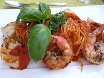 Fiery prawns and spaghettini with basil