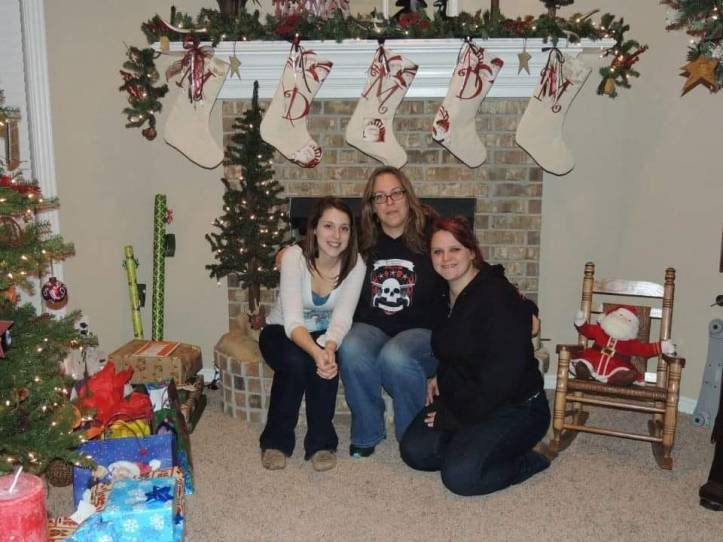 Jennifer Owens (center) with daughters Katherine (left) and Sareh (right). (Facebook)