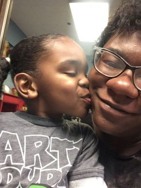 Amari Boone kissing his mommy, Ariana George