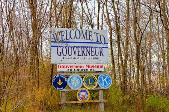 Welcome to Gouverneur sign